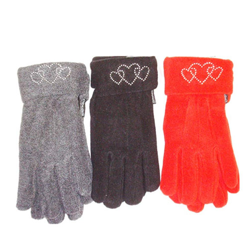 PAck of 3 multicolor gloves with hearts