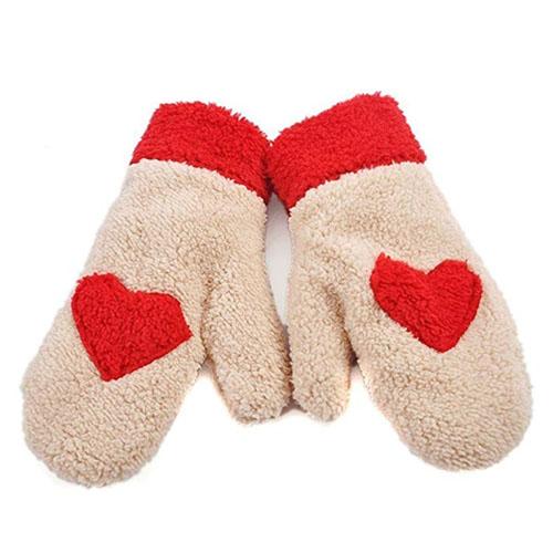 Warm cozy heart gloves